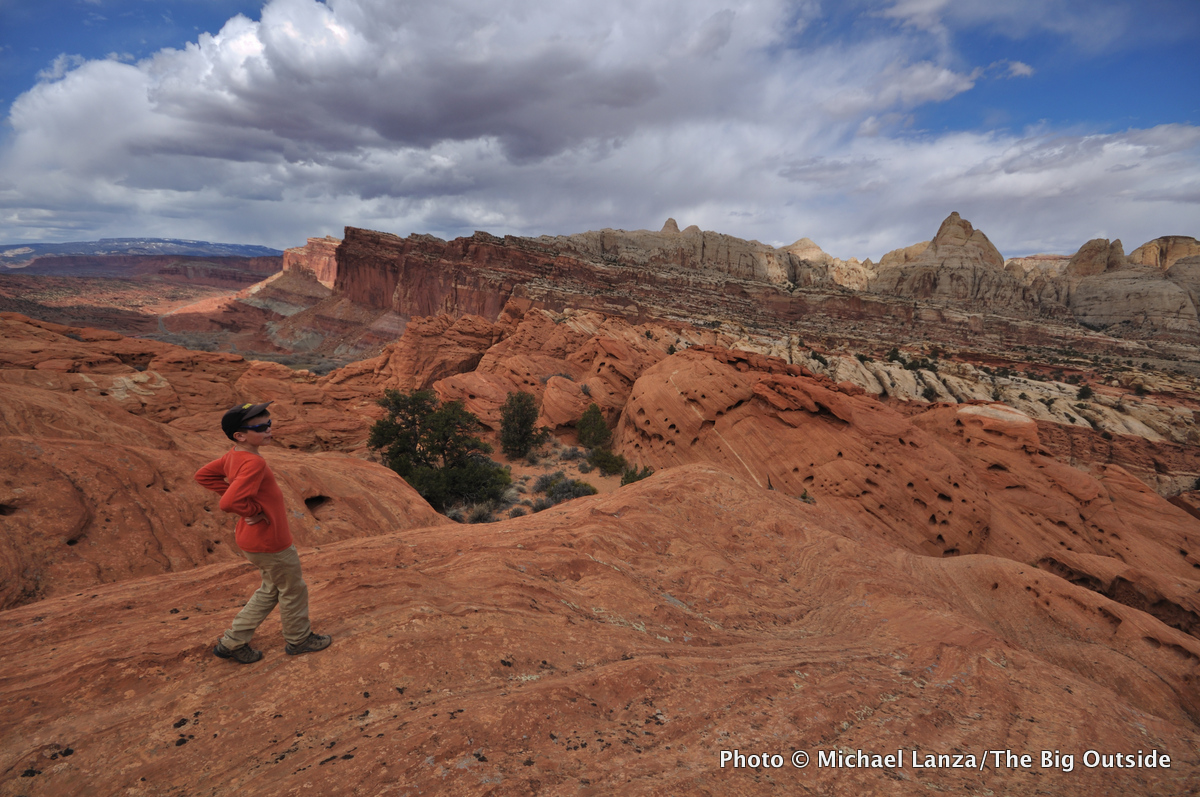 Hiking off-trail from the Frying Pan Trail in Capitol-Reef N.P.