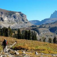 Backpacking across Death Canyon Shelf on the Teton Crest Trail, Grand Teton National Park.