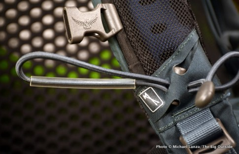 Osprey Manta AG 20 poles attachment.