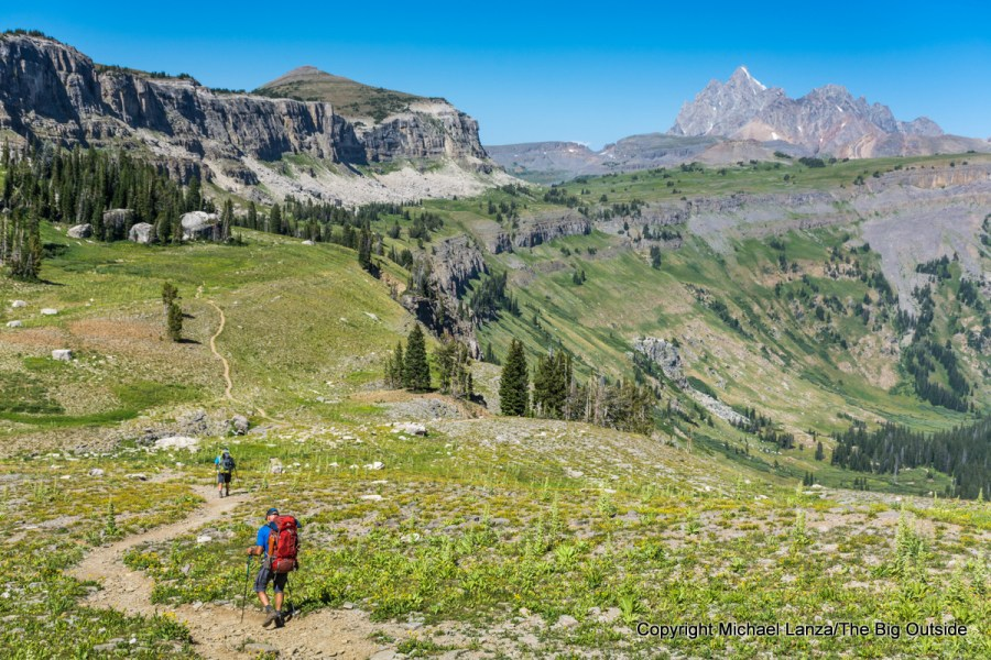 Backpackers on the Teton Crest Trail on Death Canyon Shelf, Grand Teton National Park.