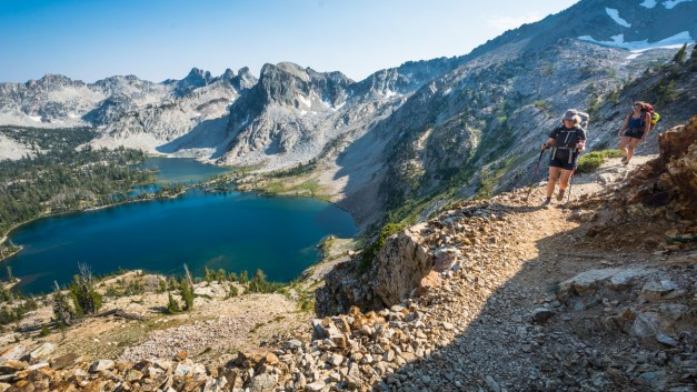 The Best of Idaho's Sawtooths: Backpacking Redfish to Pettit