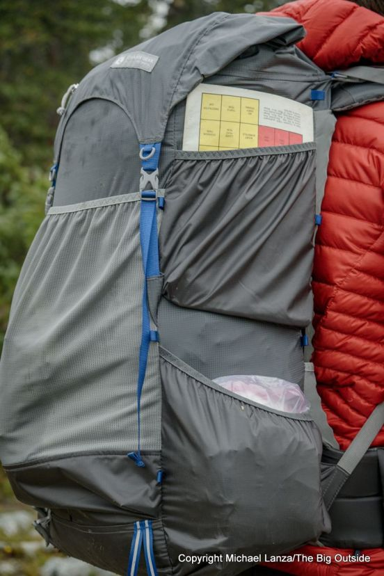 Gossamer Gear Mariposa 60 two side pockets.