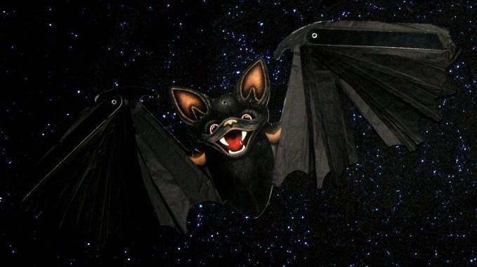Beistle Flying Bat