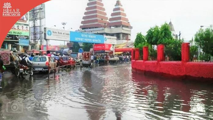 thebiharnews_in_heavy_rain_patna_hanumaan_mandir