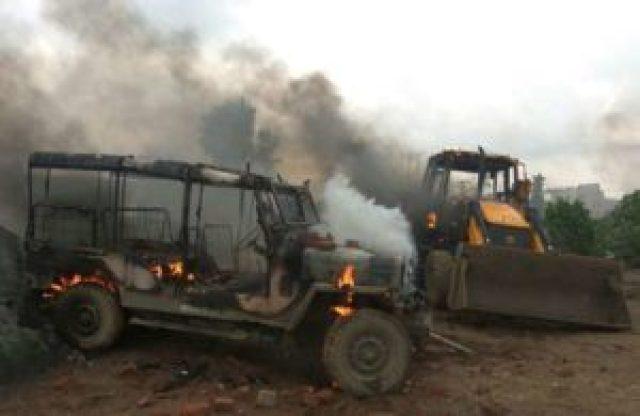 Vehicles Burnt By Mob   The Bihar News