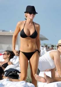 Jenny McCarthy in a sexy string bikini