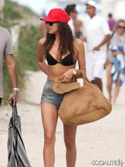 Irina Shayk bikini body