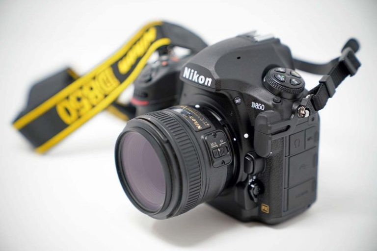 Nikon D500 DSLR (Best Intermediate DSLR)