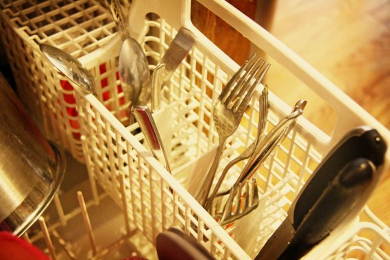 tips-for-easier-dish-washing-silverware