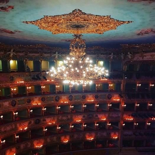 Photo of the chandelier in the La Fenice