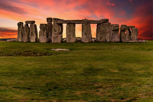 Photo of Stonehenge at sunset