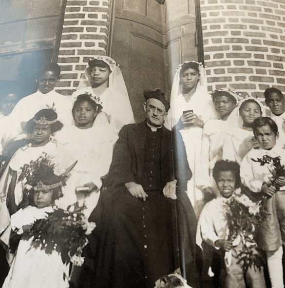 """ARTICLE SHARE: """"Quinn was 'quintessential priest' (The Irish Eco)"""" – Story of Fr. Bernard Quinn who spent his life ministering Brooklyn's Black Catholics"""