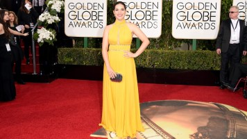 160110182718-golden-globes-red-carpet-2016---america-ferrera-super-169