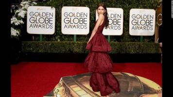 160110193822-golden-globes-red-carpet-2016---zendaya-super-169