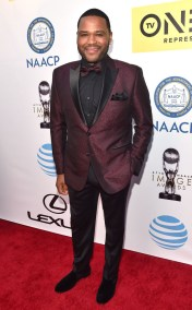 ANTHONY ANDERSON NAACP IMAGE AWARDS 2016 RED CARPET