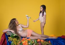 Beyonce-Pregnancy-Album-5