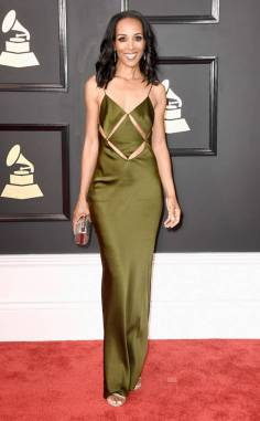 rs_634x1024-170212153941-634-shaun-robinson-2017-grammy-Awards
