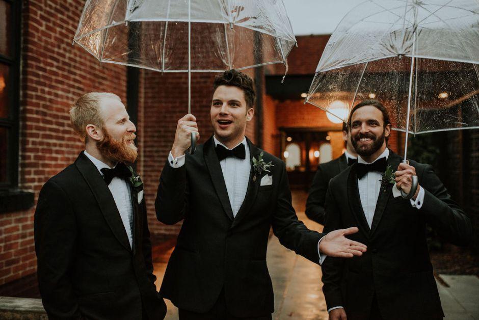 Wondering how to ask groomsmen