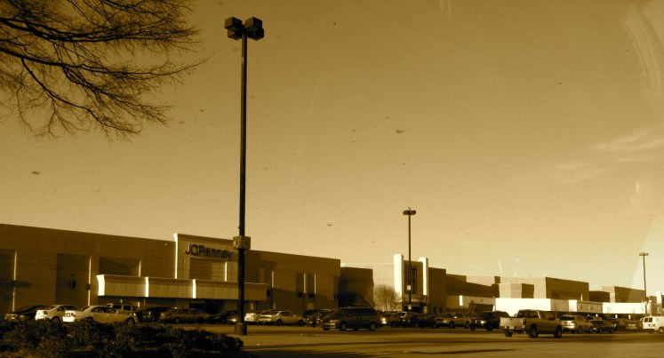 I know I put this picture into sepia, but the mall isn't quite dead yet.
