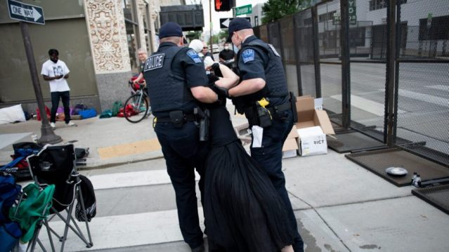 Tulsa-protester-3-900x506