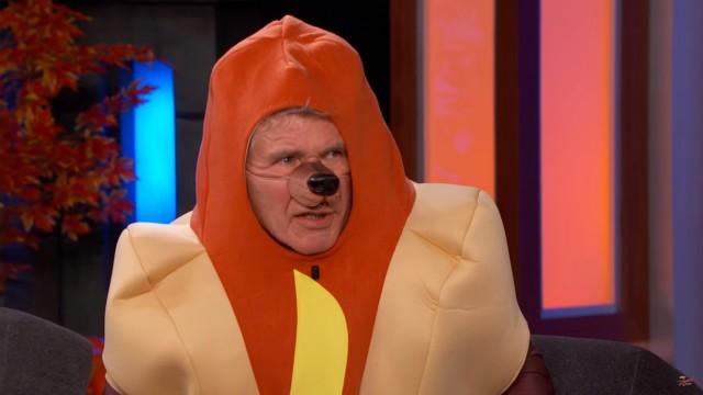 Harrison Ford indossa il vestito del hot dog per parlare le guerre stellari del ` con Jimmy Kimmel