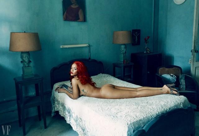 Rihanna ha lasciato nudo e solo in una camera di albergo del Blocco orientale degli anni 70