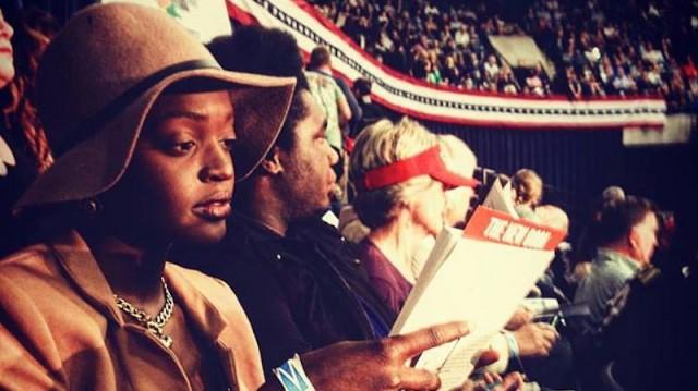 Incontri la donna che legge durante il raduno di Trump: Johari Osayi Idusuyi