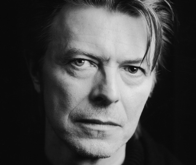Le celebrità reagiscono alla morte di David Bowie