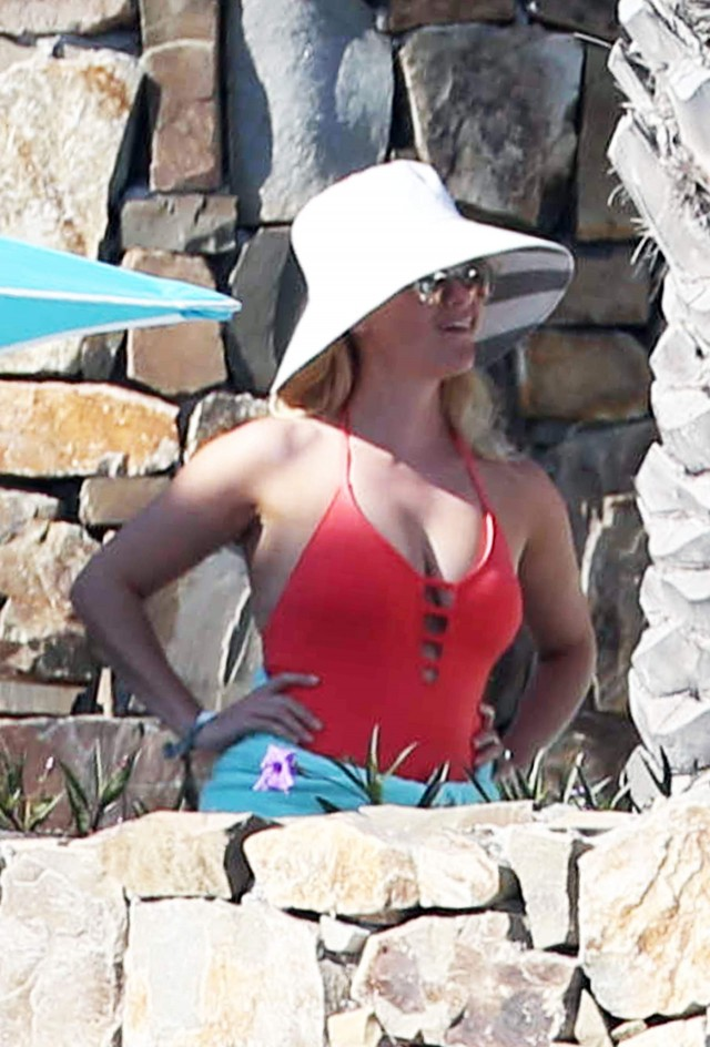 Reese Witherspoon On Vaction In Mexico 205942 Photos