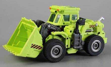 "Unboxing: Generation Toy's Gravity Builder GT-01A ""Scraper"""