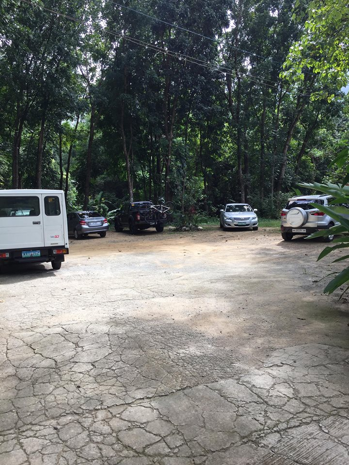 parking area at Park Rest & Dine Restaurant