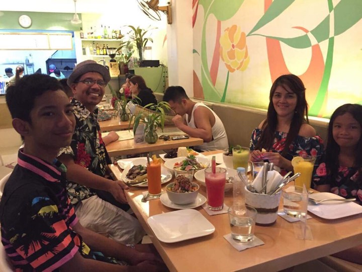 dinner at Lemoni Cafe in our Boracay 2019 vacation Day 3