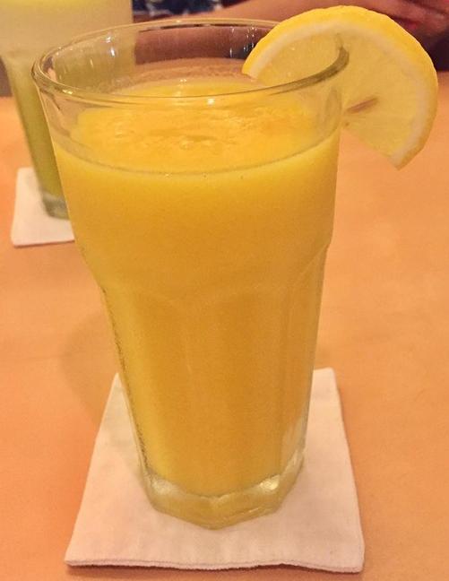 Mango lemon shake at Lemoni Cafe Boracay