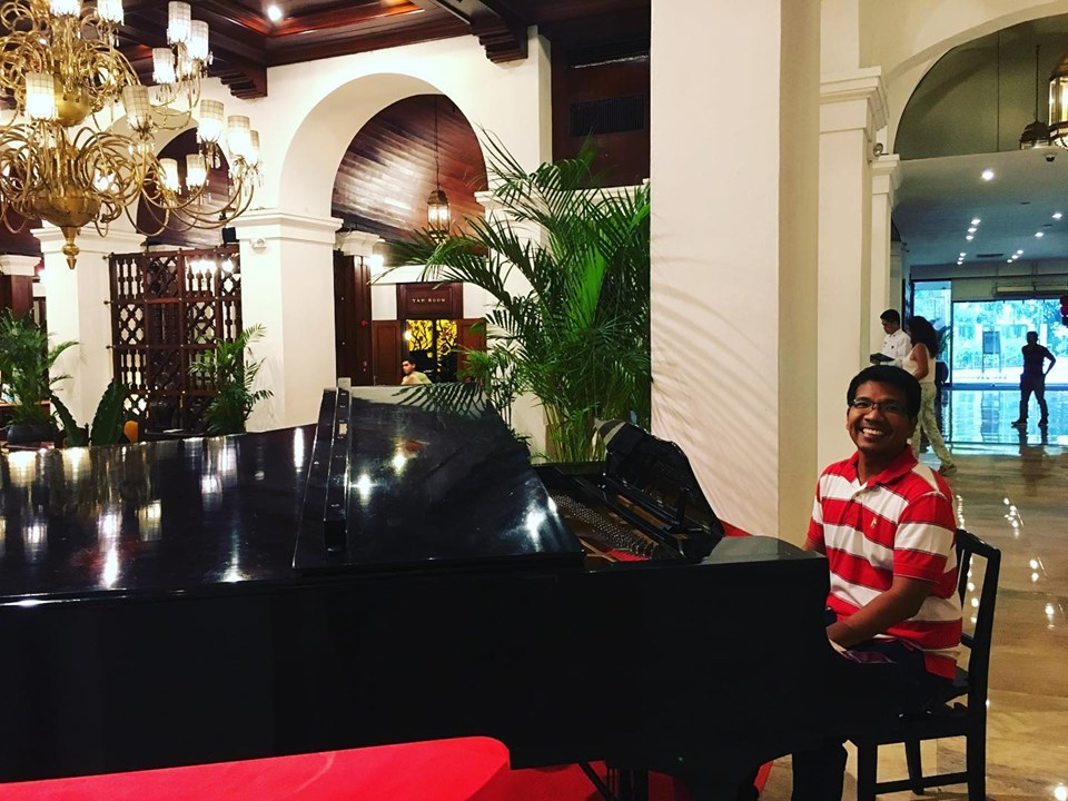 piano at the Lobby Lounge at the Manila Hotel