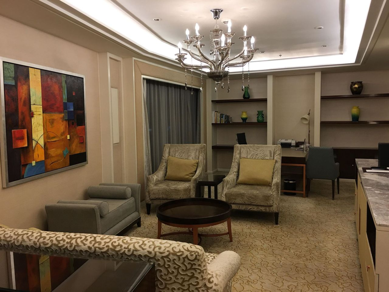 The living room at the EDSA Shangri-la Hotel