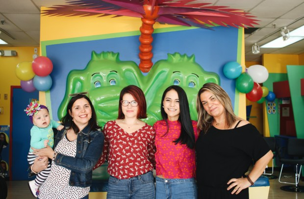 Miami Mom Bloggers go to Cartoon Cuts