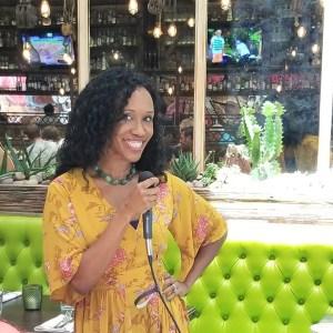 Danielle Faust of OKDani.com speaks to Ft Lauderdale Bloggers