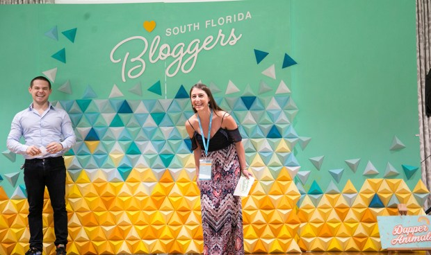 Top Miami Bloggers 2018 - South Florida Blogger Awards - Best Health Blogger Finalist. Origami backdrop by Dapper Animals