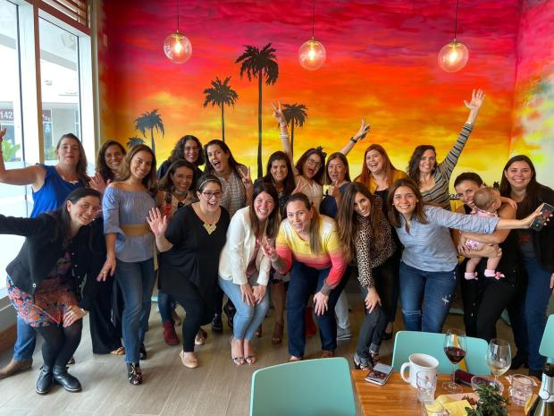 South Florida Mom Bloggers Decemeber Meetup Group Photo