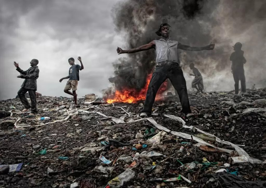 story of an african man who bought a car after selling a puppet theatre made of trash