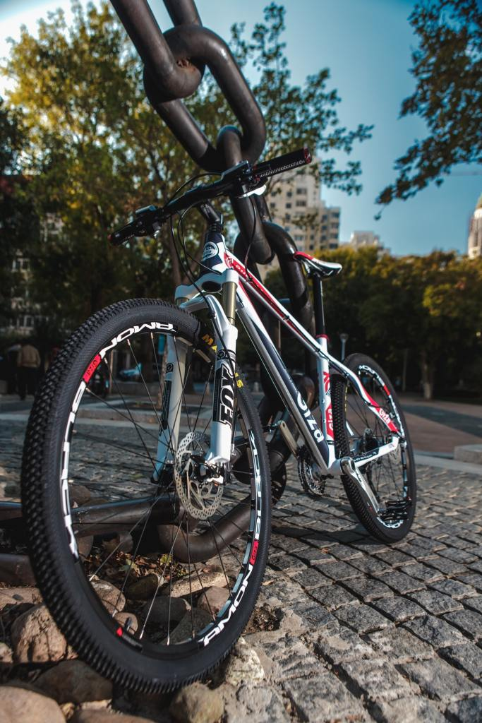 A picture of a bicycle