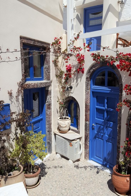 Blonde Wanderlust And My Top Five Tips For Stunning Santorini! 42
