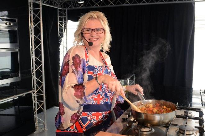 jane cooking (1)