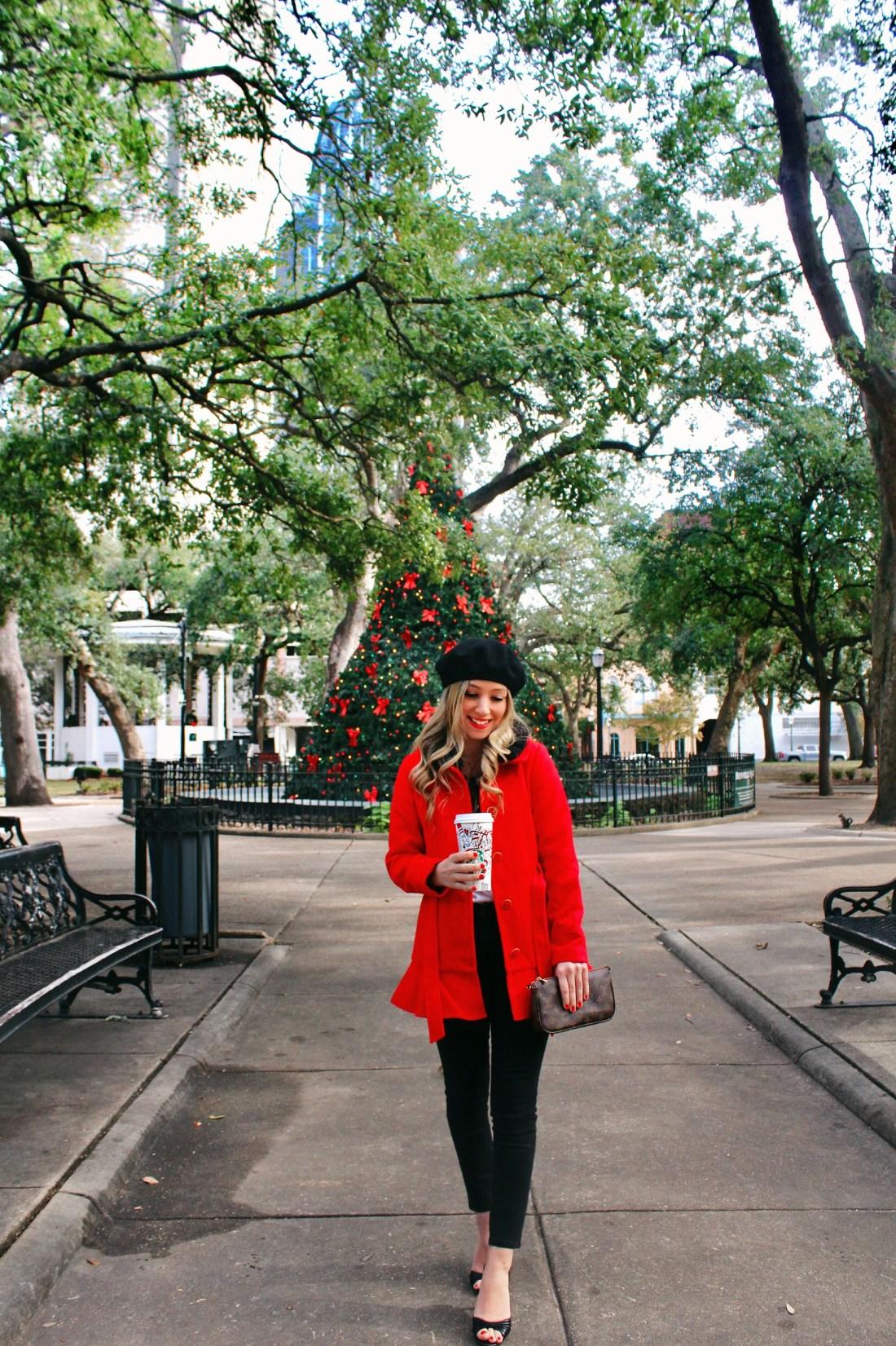 Bon Noël à Bienville Square + Look Book - The Blonderella