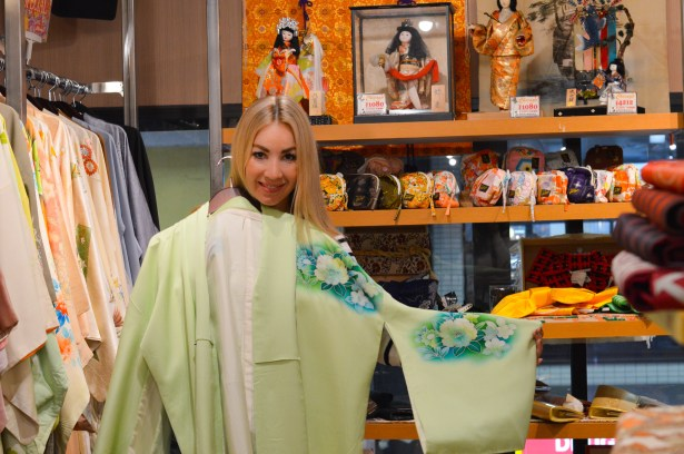 TheBlondesEyeView_Kyoto_36