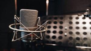 Jeff Lipchik, microphone