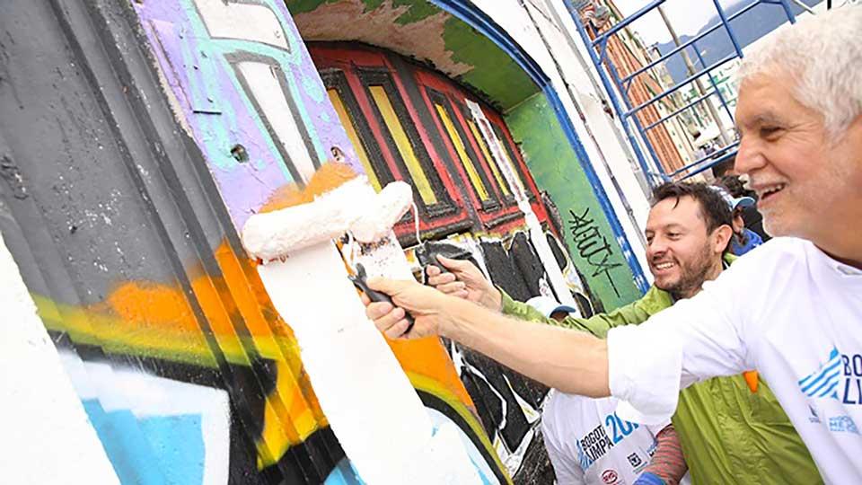 Graffiti in Bogotá: Urban art versus conservation