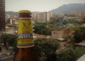 Cerveza Águila's price lowered. What's behind this decision?