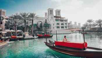 What To Wear in Dubai: The Only Dubai Packing List You'll Need