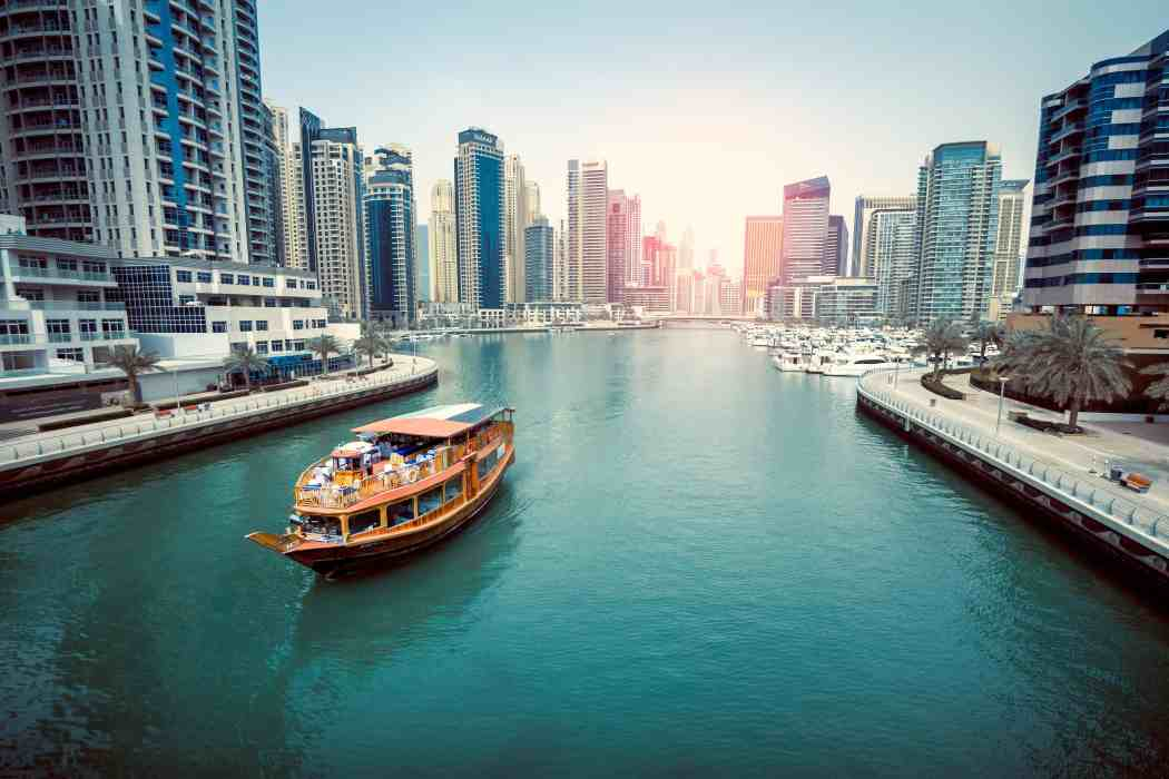 Where to Stay in Dubai: Whether it's hotel apartments, budget hotels or luxury hotels in Dubai near the beach, Burj Khalifa, Dubai Marina, or Palm Jumeirah, use this guide to Dubai accommodation to know where to stay in Dubai.